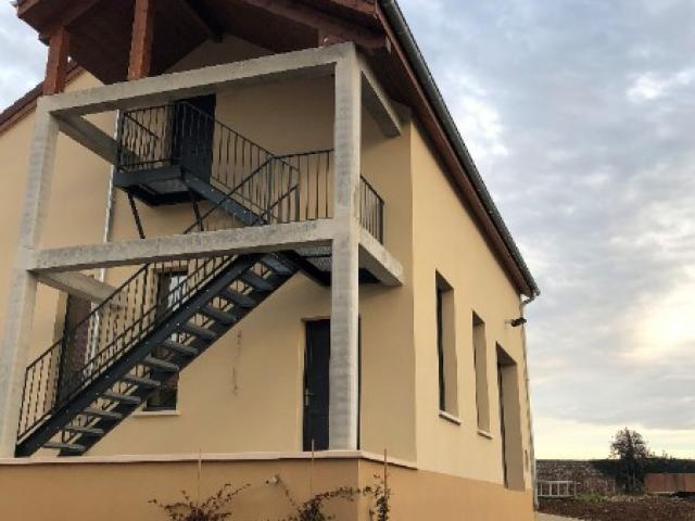 Extension cuverie/ cave/ dortoir à Morey Saint Denis, Bourgogne